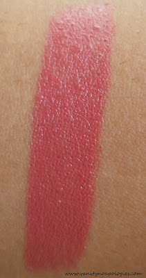 pink lipstick fair skin