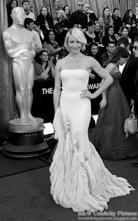 Cameron Diaz over red carpet at 2012 Academy Awards - Oscar arrival
