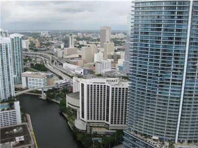 Condo en Downtown Miami con vista a la Bahia