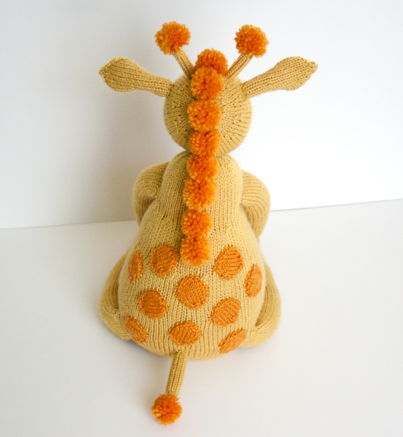 Knitting Pattern Giraffe : Show and Tell Meg: Finished Object Friday: My Not So Itty-Bitty Giraffe!