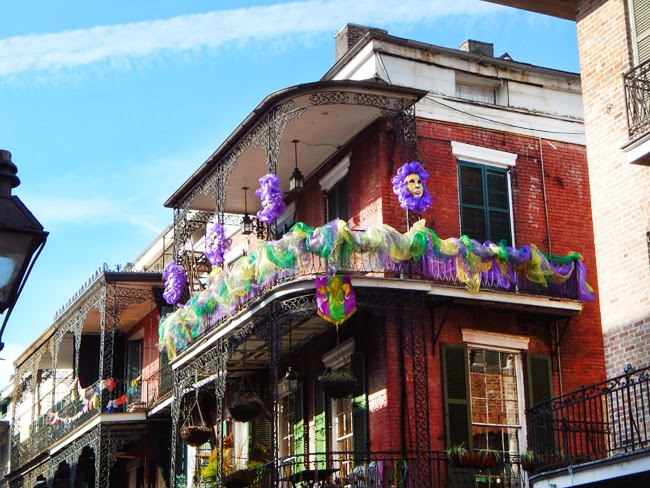 NOLA mardi gras decor
