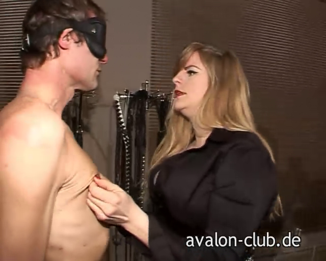 BDSM-FETISH: Avalon Club-Lady Grace: http://sm-lounge.blogspot.com/2012/03/avalon-club-lady-grace.html