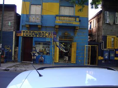 Em frente ao estádio do Boca Junior - La Bombonera -  Buenos Aires - AR