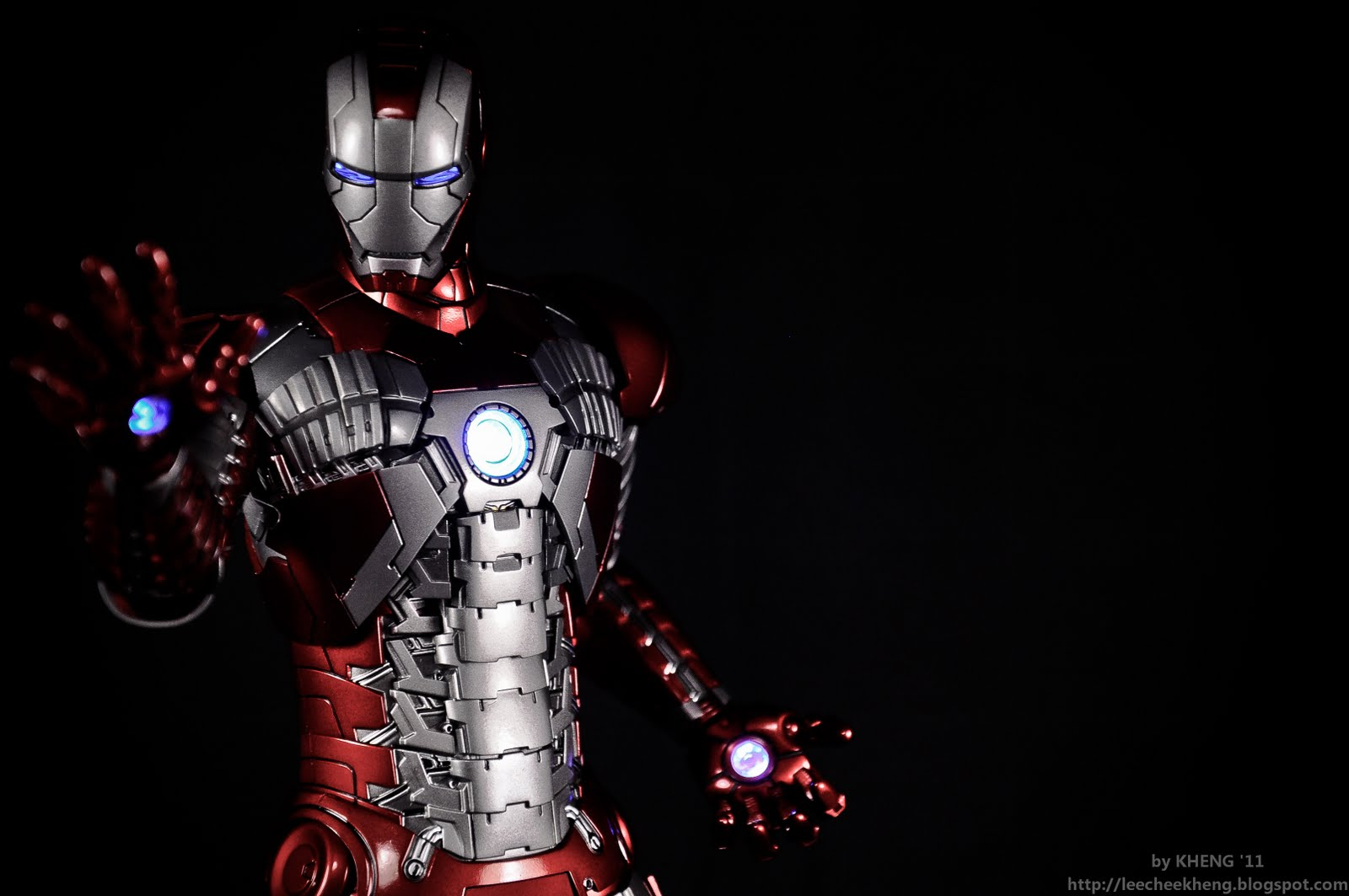 hot toys iron man mark 5 | Toys.xcuz.me