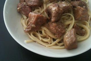Cocina con Anibal Cerdo con tallarines en salsa de soja
