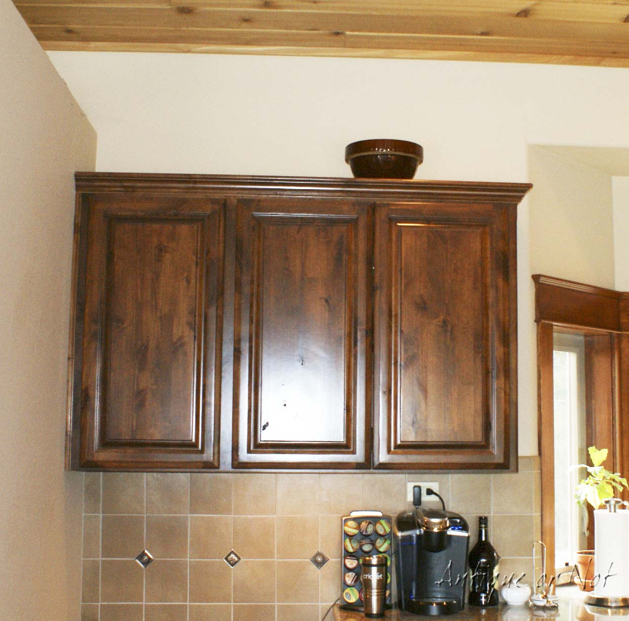 Kitchen Decor For Above Cabinets: Antique Or Not: Decorating Above Your Cabinets