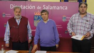 Antonio Luengo, ala derecha, en la Diputación de Salamanca