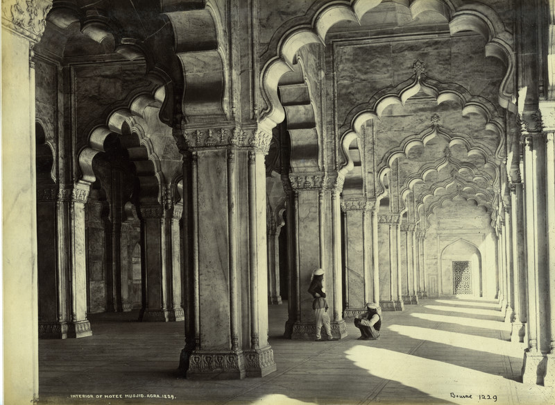 Inside View of Moti Masjid