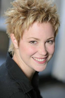 Kim Rhodes Hairstyles - Celebrity short haircut ideas for women