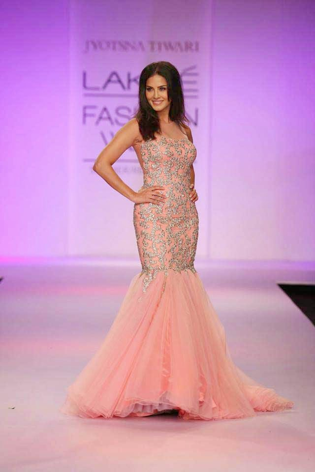 Sunny Leone at Lakme Fashion Week Summer/Resort 2014