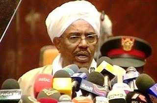 Bashir a annoncé la restructuration des organismes d'État et de réduire la Constitution et les indemnités