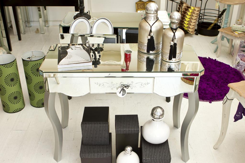 Muebles espejados la tienda decoraci n for Classic muebles uruguay