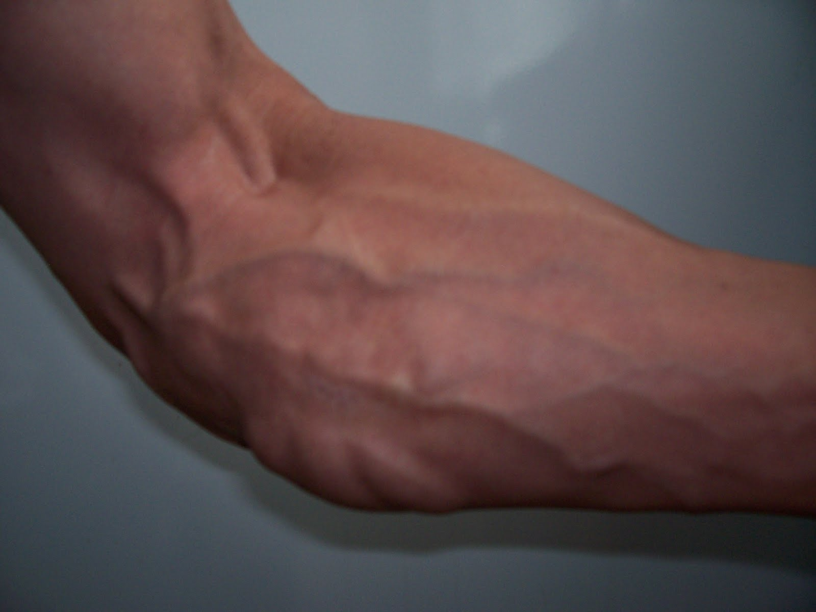 how to build muscle in forearms and wrists