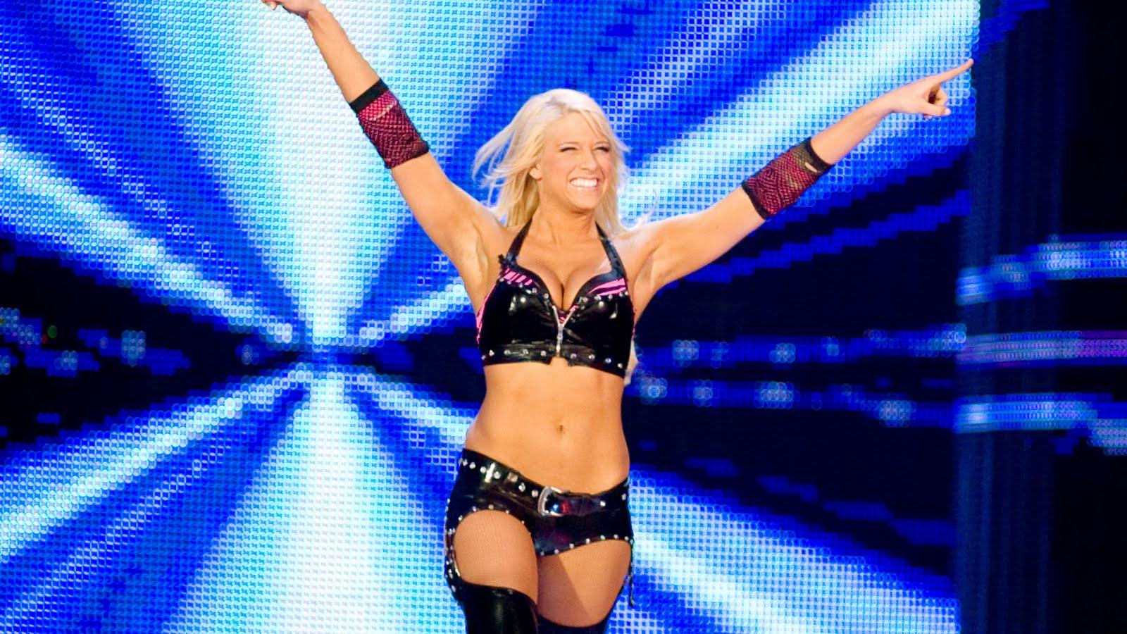 WWE Divas Outfits