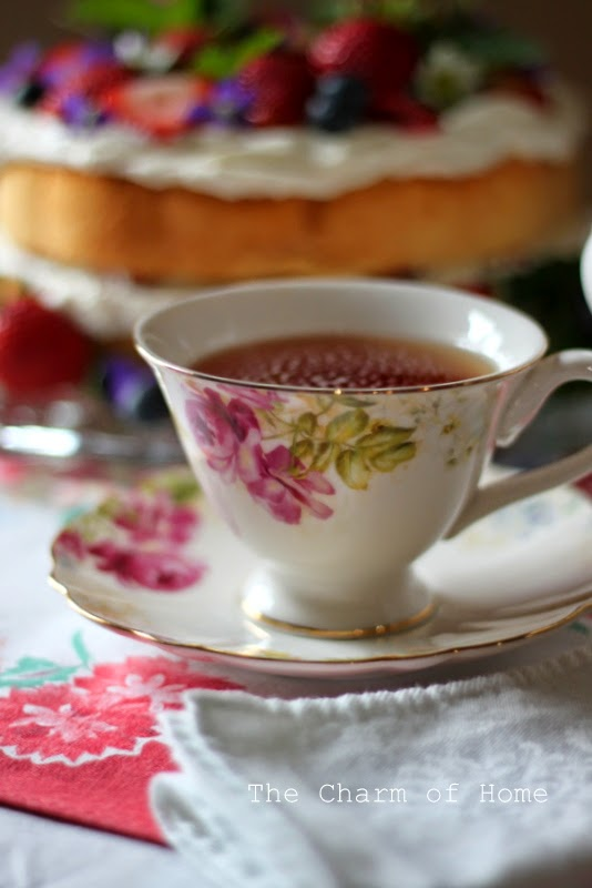 Berries & Cream Cake Tea: The Charm of Home
