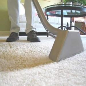 conseils d co et relooking astuces pour le nettoyage des taches sur les tapis. Black Bedroom Furniture Sets. Home Design Ideas