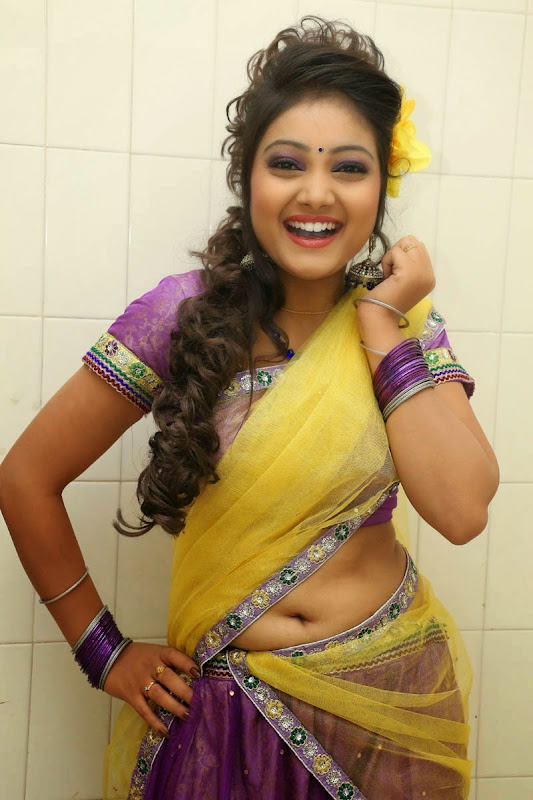 TV Anchor Priyanka Navel Show gallery
