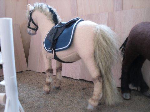 Игрушки для лошадей своими руками 91