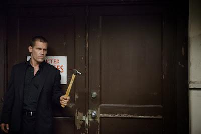 Josh Brolin Hammer