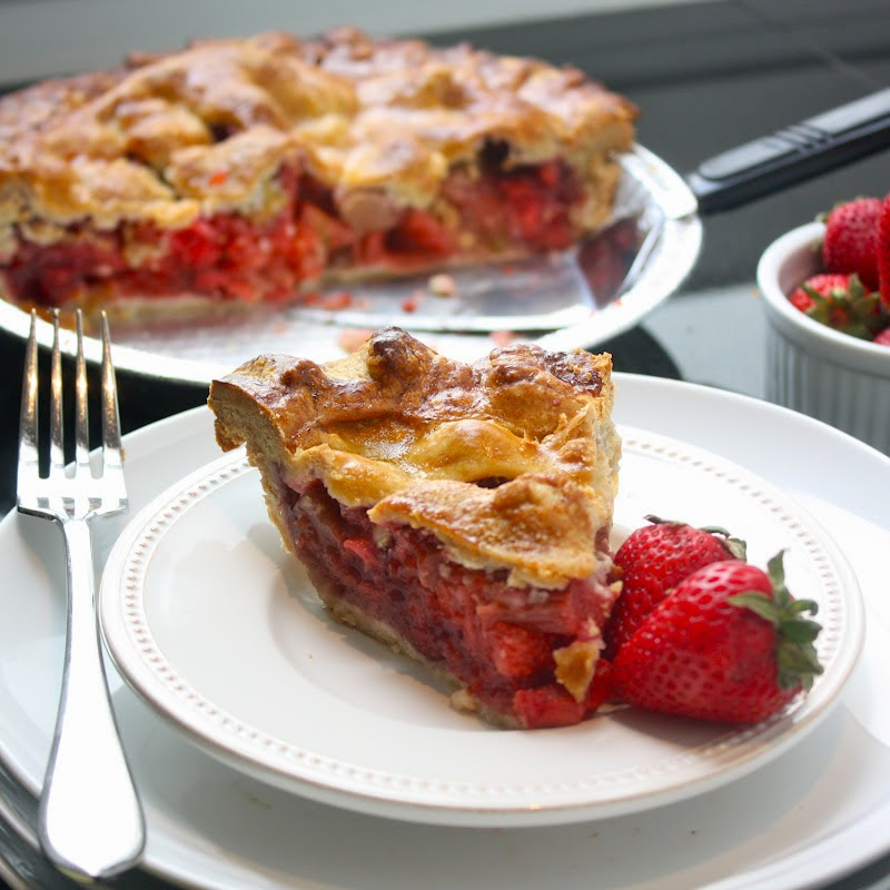 Cannella Vita: strawberry rhubarb pie