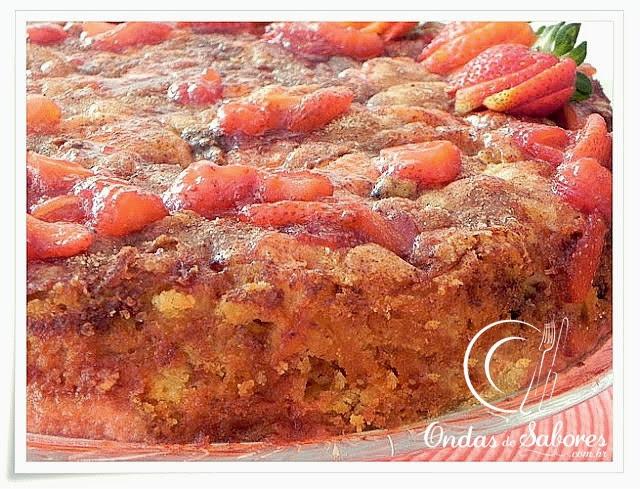 Torta das Frutas... com Calda de Morango