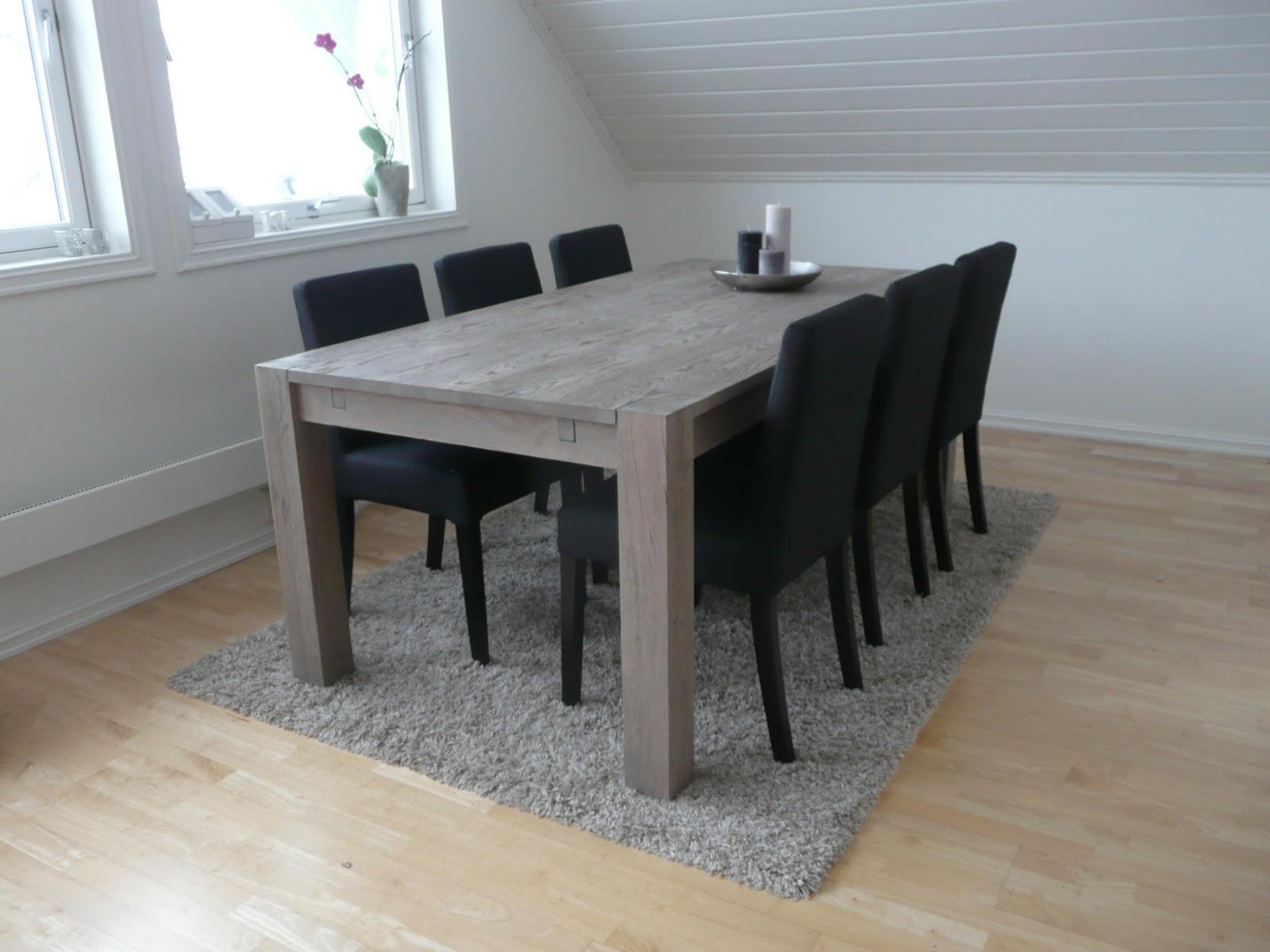 Lille Østensjøhagen: Endelig nytt spisebord og stoler på plass!