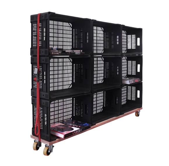 Un rinc n de mi casa estanter a con cajas for Cajas plasticas con ruedas