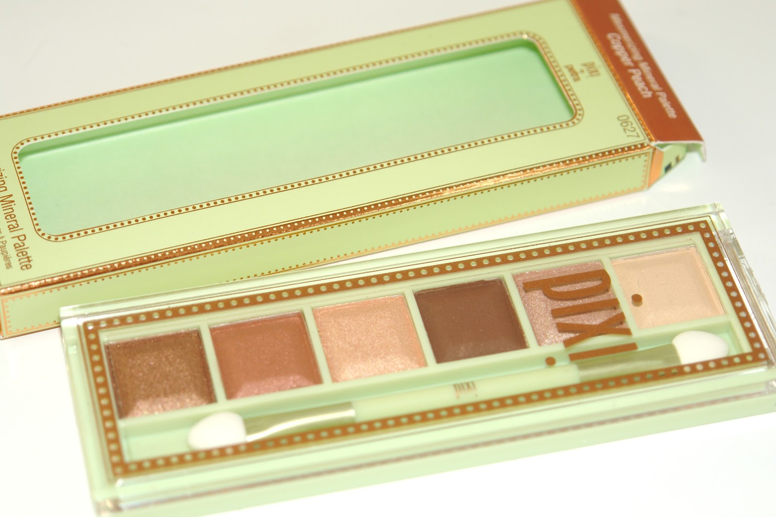 PIXI Mesmerizing Mineral Palette in Copper Peach review, eye shadows, make up, palette, PIXI, review, blogger, swatches