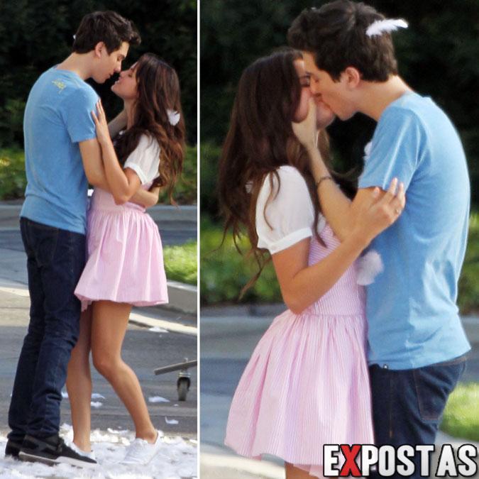 Selena Gomez gravando cena de beijo com Nat Wolff para o longa 'Parental Guidance Suggested' - Sherman Oaks, CA - 10 de Agosto de 2012