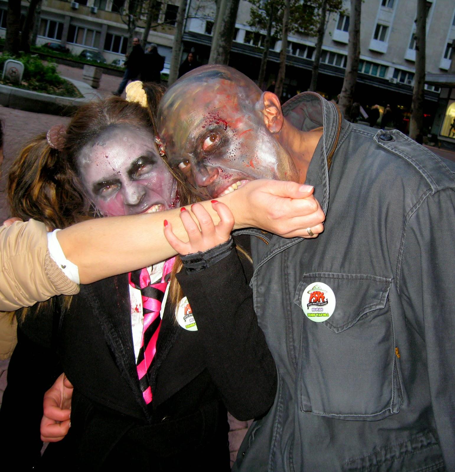 zombie walk 2014, #fsff, #zelfi, #zelfie, Halloween costume, zombie school girl costume, zombie soldier costume