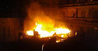 حريق بمديرية أمن بورسعيد والنيران تأكل 3 سيارات