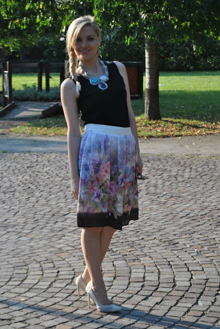 how to wear floral print how to wear midi skirt midi skirt outfit midi skirt kocca fashion bloggers italy mariafelicia magno fashion blogger summer outfit june outfit romantic outfit romantic summer outfit summer outfit girl