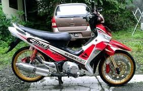 memodifikasi motor supra x 125 dengan gaya menawan