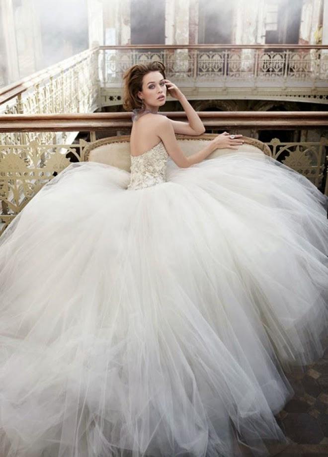 Wem stehen breite Brautkleider (Sissi Brautkleider)?
