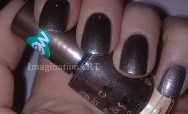 Essence_n°45_Date_with_the_night_swatch_swatches_Colour&Go_color_go_nail_smalto_nail_polish_laquer