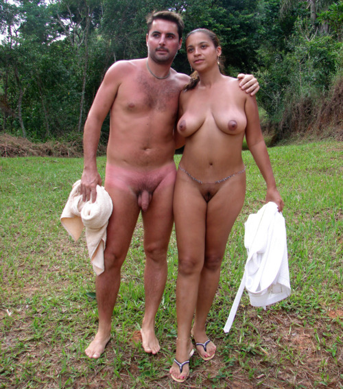 nude-families-in-russia-having