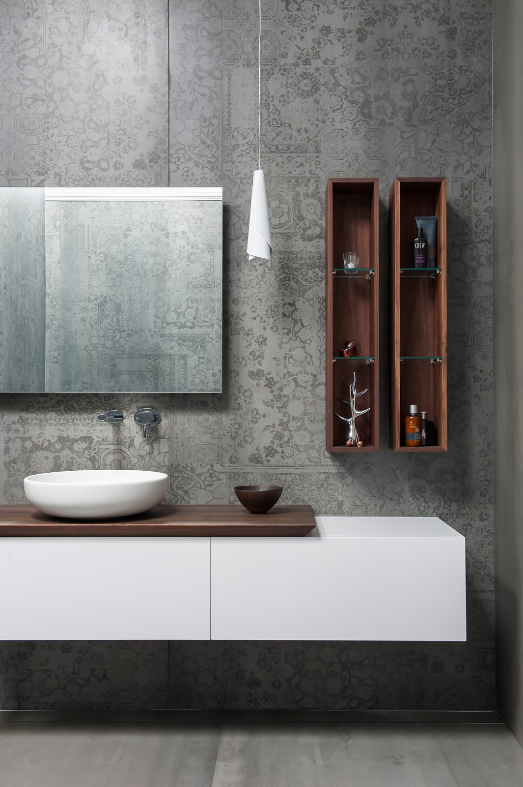 Minosa: Main Bathroom meets Powder Room with stunning result
