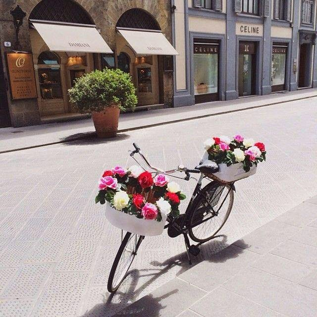 J' adore Paris. . .et vous?