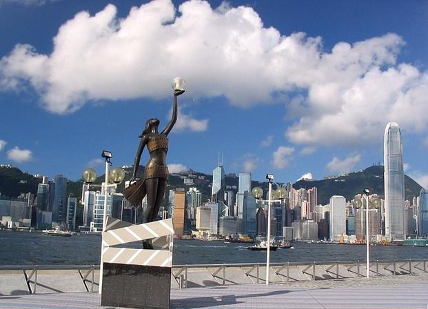 http://3.bp.blogspot.com/-wE1Fjtw9HqQ/UiLbjf2I_ZI/AAAAAAAAEBM/PG6Fcm_fp94/s1600/Tempat+Wisata+di+Hongkong+yang+Indah+Hong+Kong+Avenue+of+Stars+yoshiewafa.blogspot.com.jpg