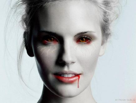 أمراة تشرب لترين دماء شهرياً منذ 30 عاماً  - مصاصين مصاصة دماء امرأة - Vampire-Woman-vampires