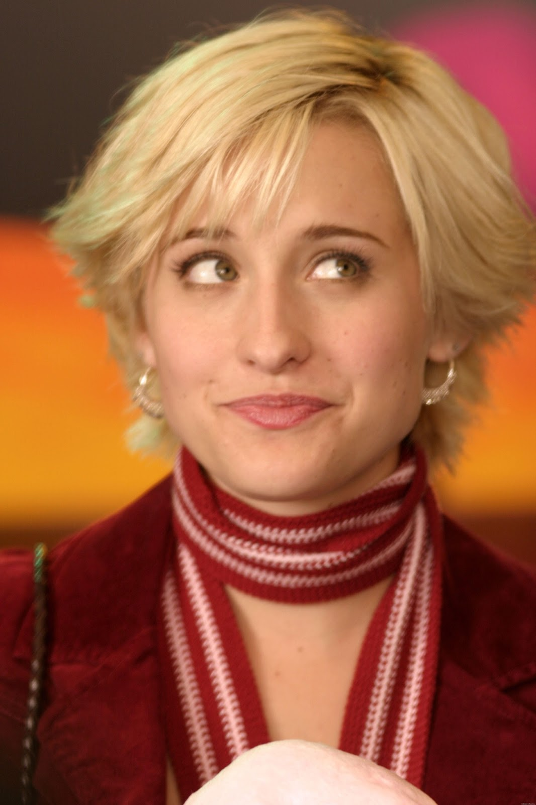 Allison Mack Photos Tv Series Posters And Cast