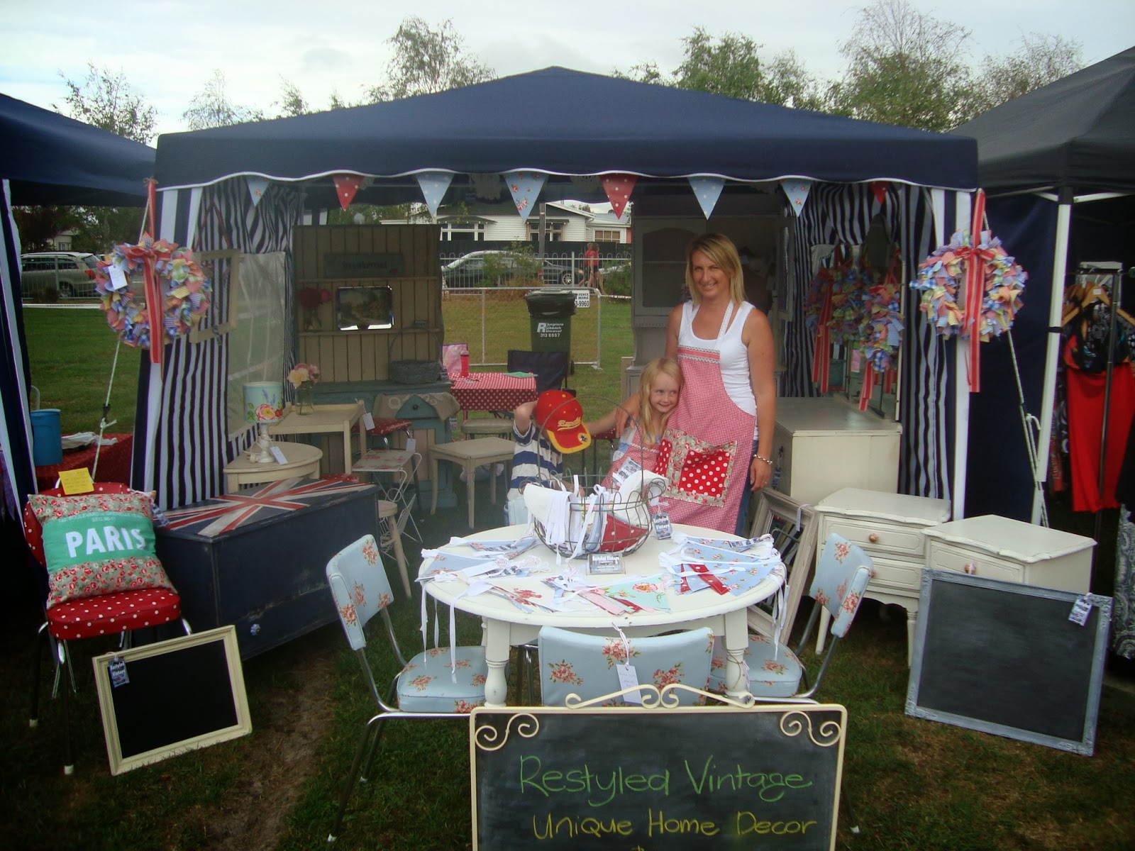 how to build a market stall