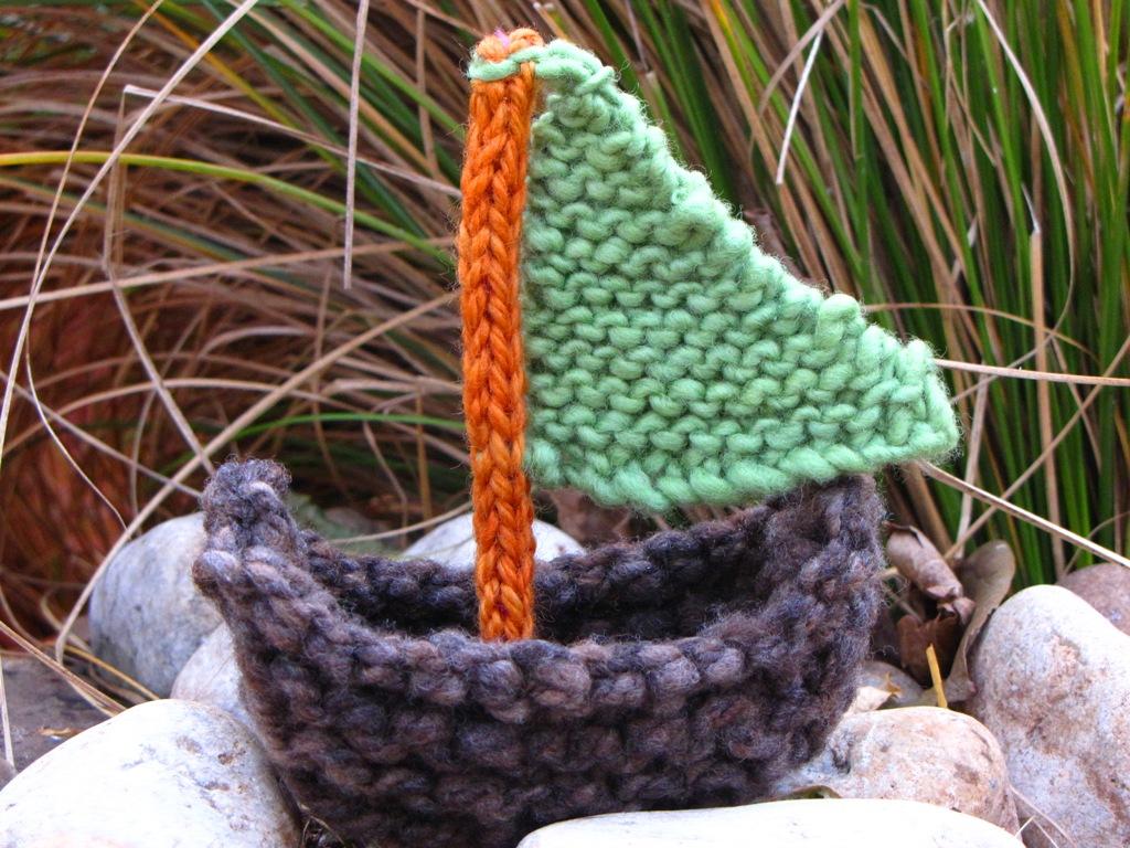 Boat Knitting Pattern, Tutorial - Natural Suburbia