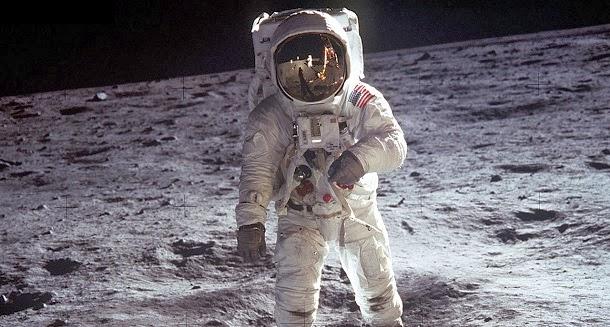 O pouso na lua foi real, mas a filmagem foi uma farsa