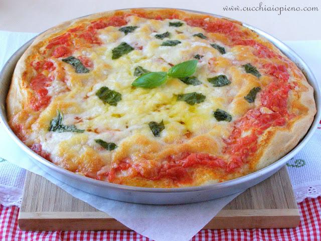 Como fazer uma deliciosa pizza margherita.