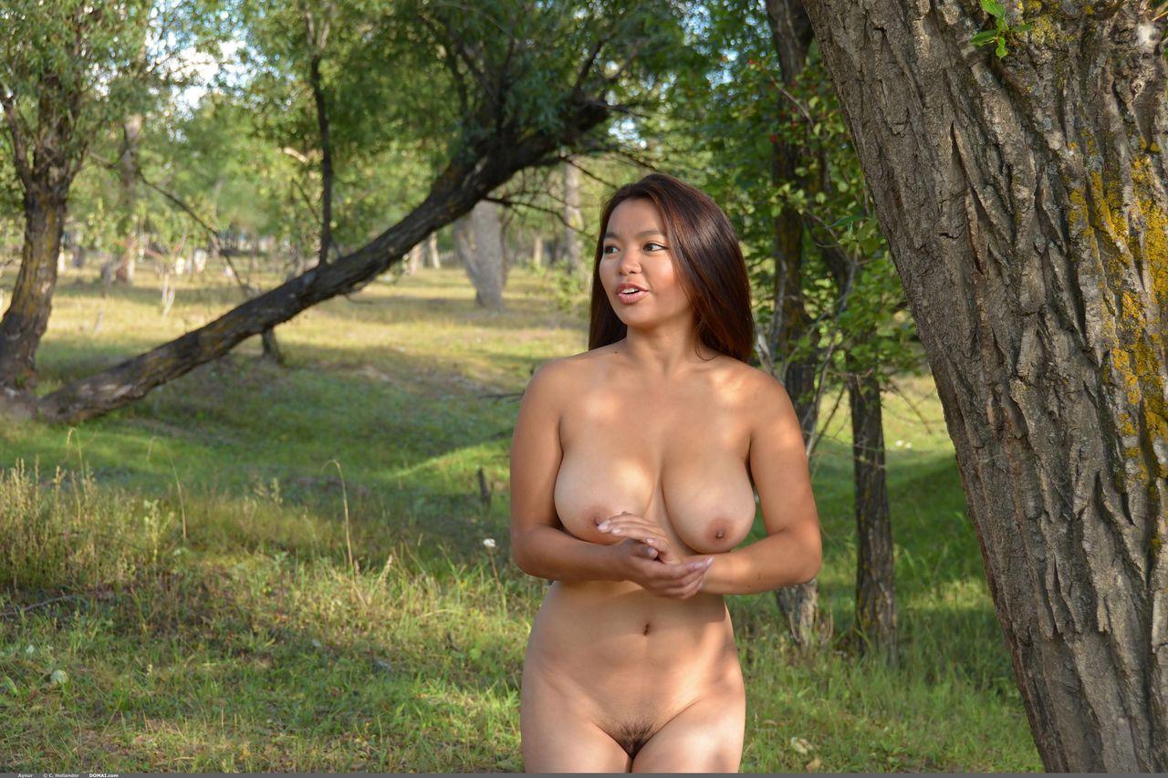 polnie-golie-aziatki