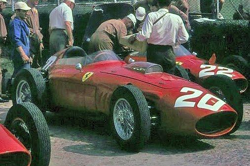 4 de septiembre, 1960 / PHIL HILL, CON FERRARI, ÚLTIMO TRIUNFO DE UN F1 CON MOTOR DELANTERO
