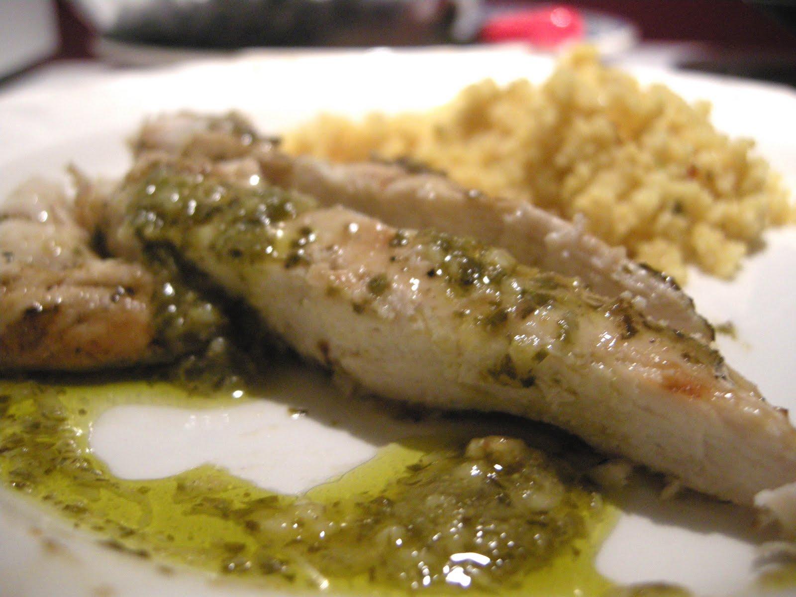 La d nette lolo blancs de poulet au pesto for Marinade poulet huile d olive