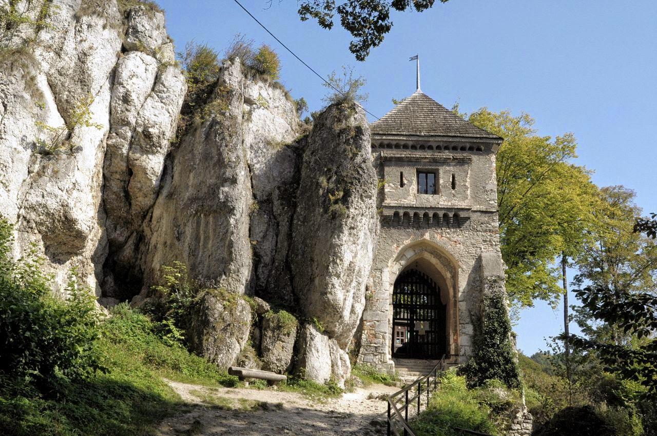 Ojców, brama średniowiecznego zamku