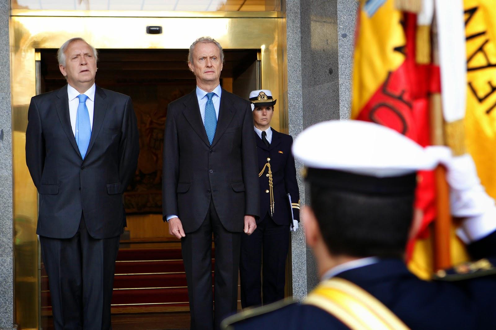 http://www.defensa.cl/destacados/ministro-de-defensa-se-reune-con-su-par-de-espana-en-madrid/